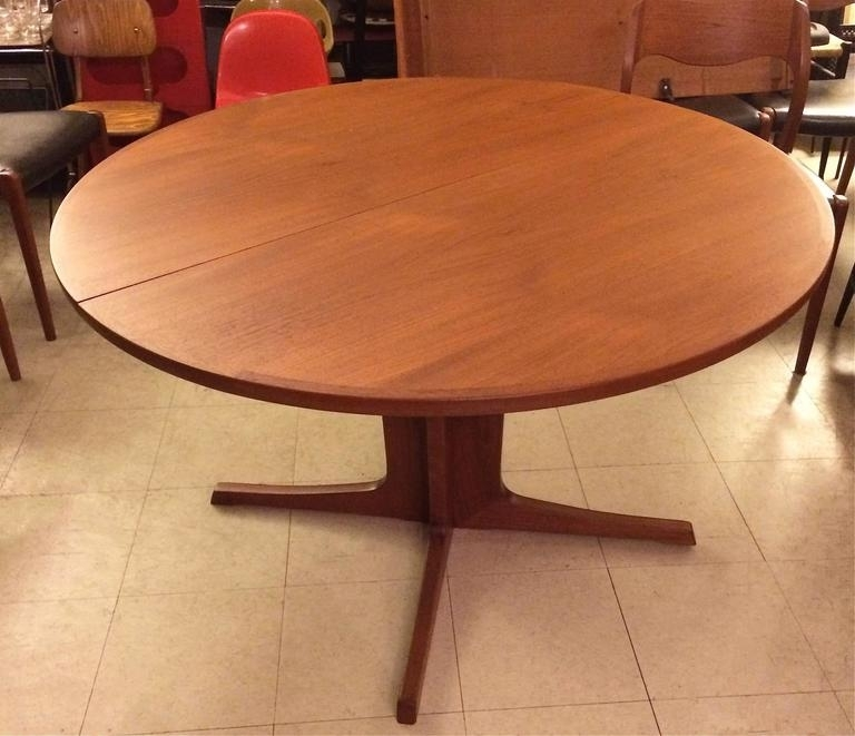 Niels O. Møller Round Teak Extension Dining Table At 1Stdibs for Round Teak Dining Tables