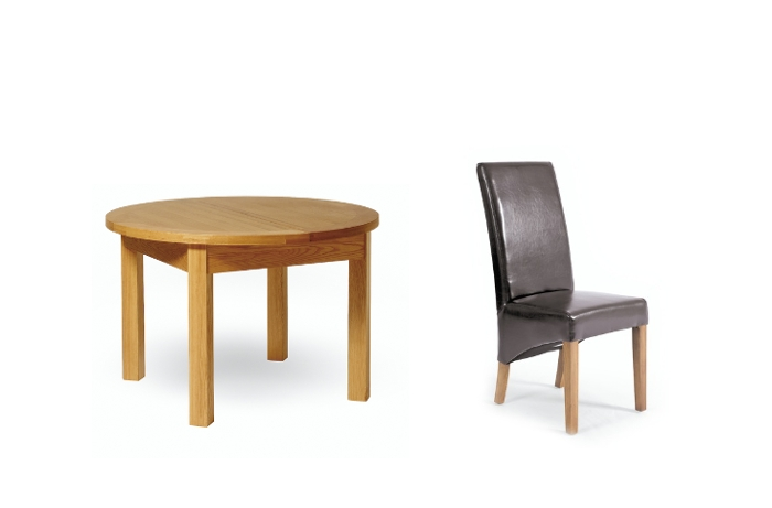 Oliver Round Oak Extending Dining Table And 4 Leather Dining Chairs With Regard To Round Oak Extendable Dining Tables And Chairs (Image 18 of 25)