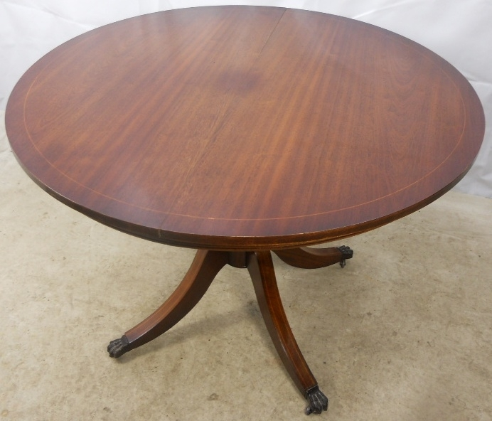 Regency Style Round Mahogany Extending Dining Table To Seat Six In Mahogany Extending Dining Tables (View 2 of 25)