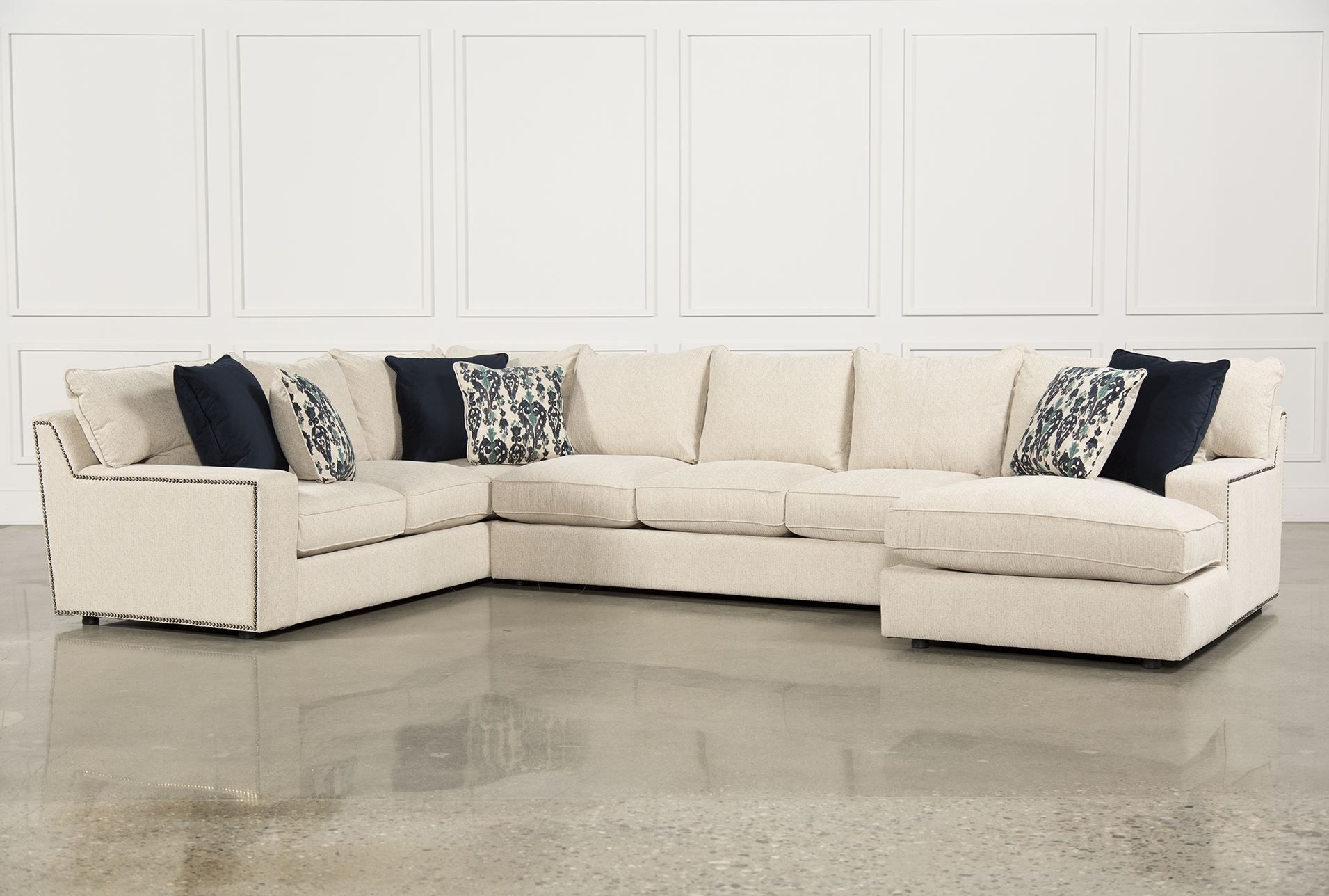 Rennell 3 Piece Sectional W/raf Chaise | Home Decor Spanish / Tuscan Throughout Meyer 3 Piece Sectionals With Raf Chaise (Image 20 of 25)