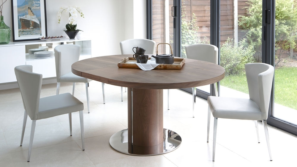 Round Extendable Dining Table Design | Home Living Ideas In Extending Dining Table And Chairs (Image 21 of 25)
