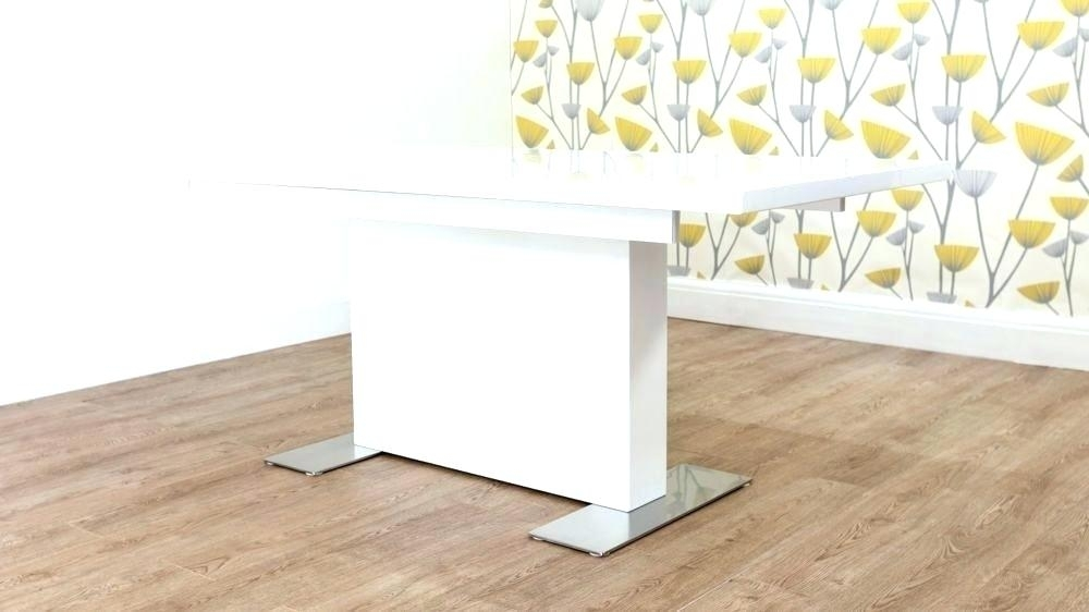 Round Pedestal Extending Dining Table Epsom Oak And White Pedestal With Regard To White Gloss Round Extending Dining Tables (View 22 of 25)