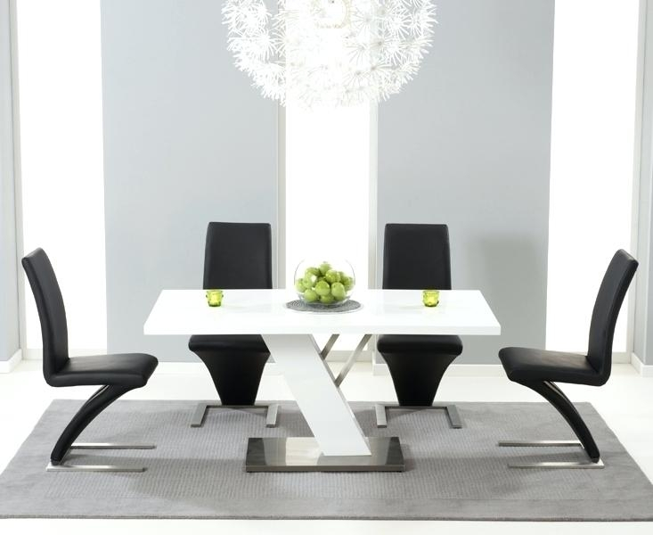 Shocking Table 4 Black Chairs Black High Gloss Dining Table And 4 Within High Gloss Dining Tables (View 22 of 25)