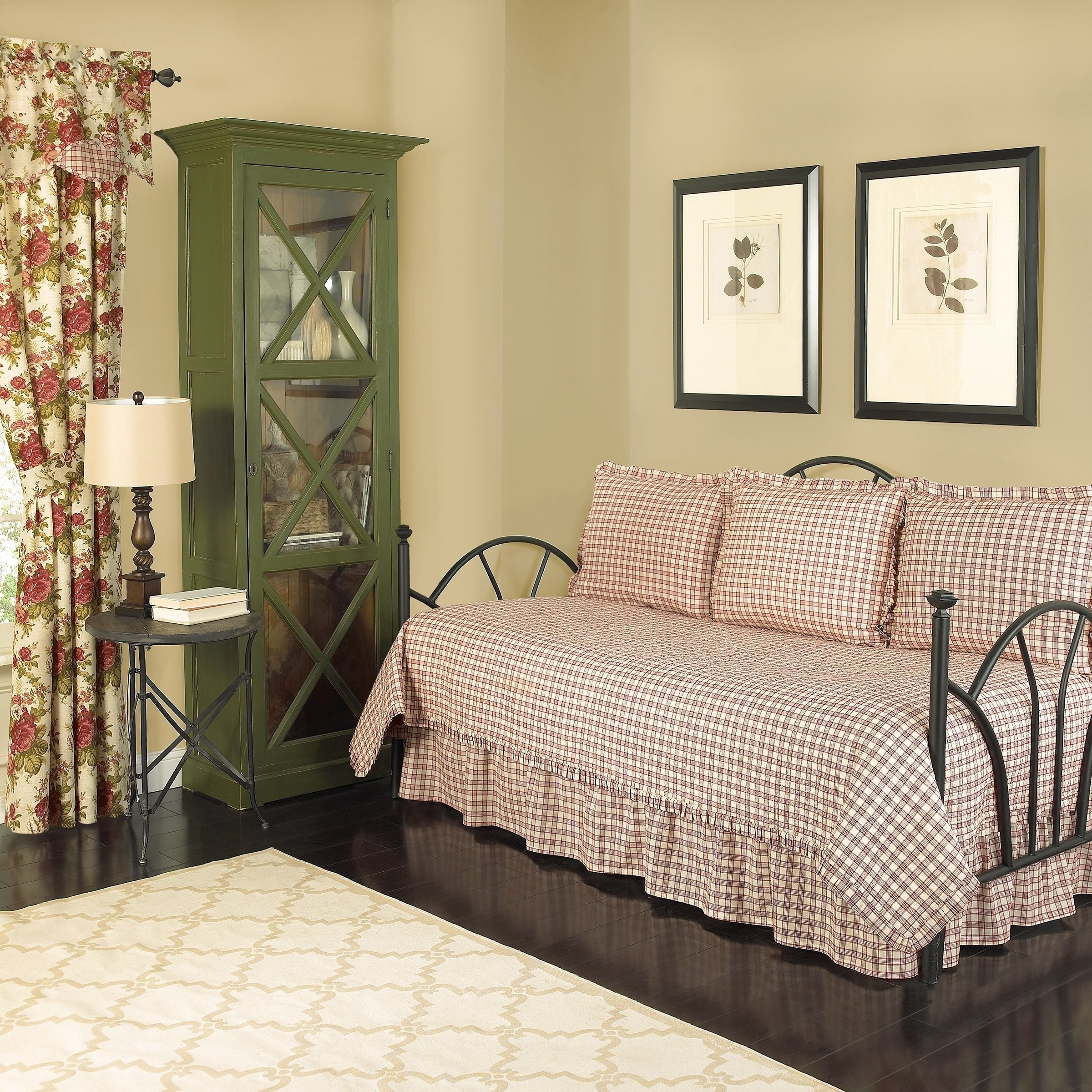 Shop Waverly Norfolk Reversible Cotton 5 Piece Quilt Daybed Within Norfolk Chocolate 6 Piece Sectionals (Image 21 of 25)