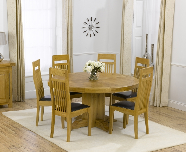 Torino 150Cm Solid Oak Round Pedestal Dining Table With Monaco Chairs Inside Oak Dining Tables And Leather Chairs (View 8 of 25)