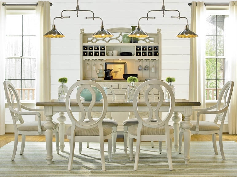 Universal Furniture | Summer Hill | Dining Table with Universal Dining Tables