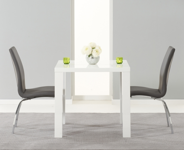Use White Dining Room Table And Chairs For Your Small Family Size Throughout Small White Dining Tables (Photo 5 of 25)