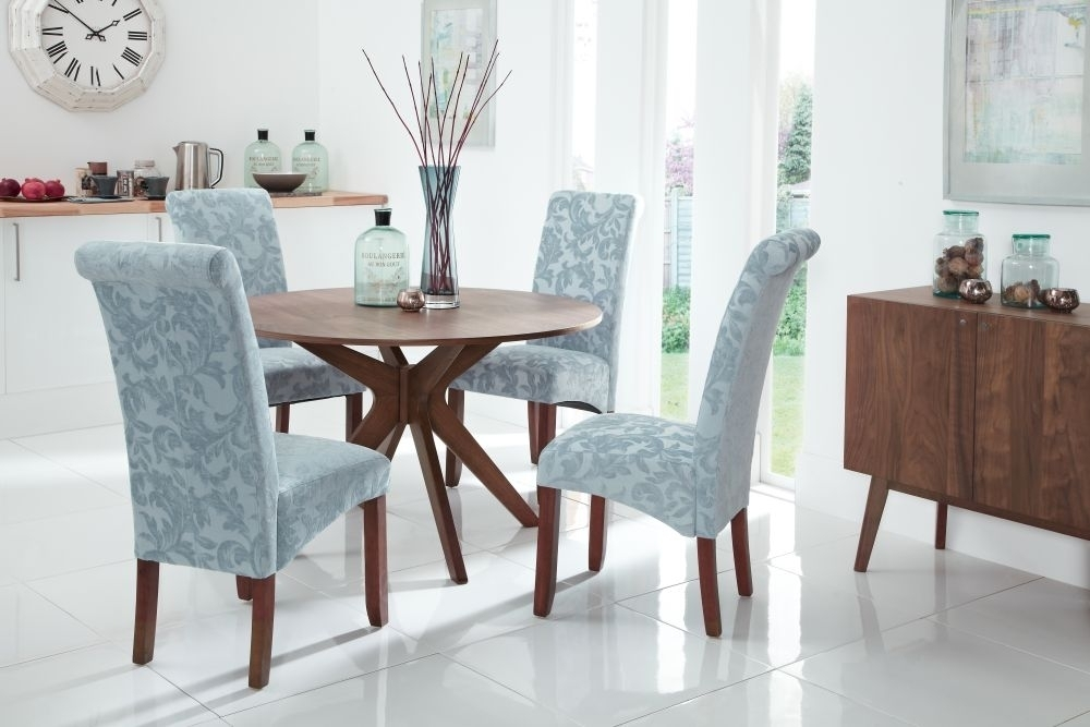 Valley 120Cm Walnut Fixed Top Round Dining Set With 4 Kingston Duck Throughout Kingston Dining Tables And Chairs (Photo 13 of 25)