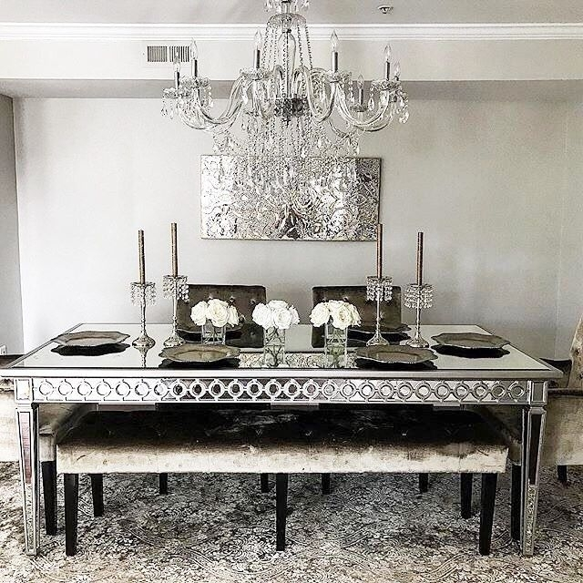 Zgalleriemoment: @iheart Home Decor Is Ready For Guests With Her Inside Mirrored Dining Tables (View 21 of 25)