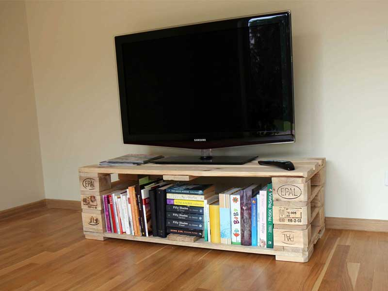 2018 Small Tv Stands On Wheels Inside 21+ Diy Tv Stand Ideas For Your Weekend Home Project (Photo 4 of 25)