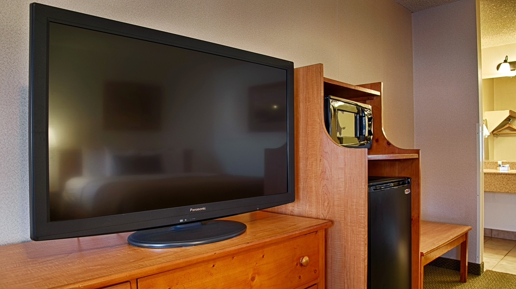 Best Western Plus Ruby's Inn With Widely Used Sinclair White 68 Inch Tv Stands (View 8 of 19)