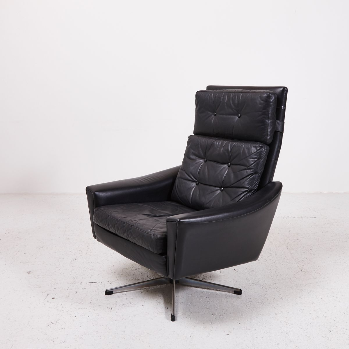 Black Leather Swivel Chair With Star Shaped Stand, 1970S For Sale At With Regard To Leather Black Swivel Chairs (View 16 of 25)