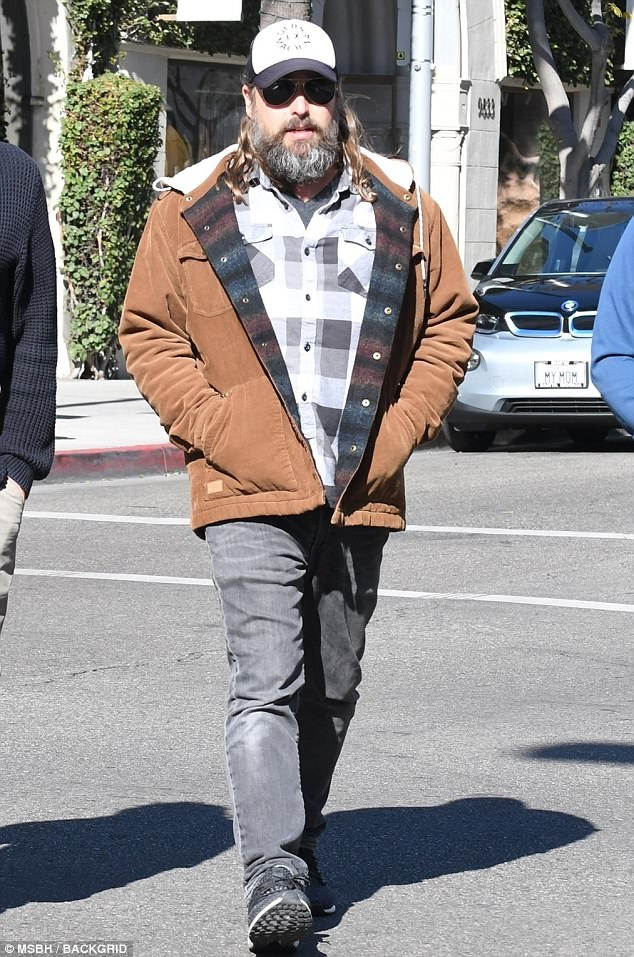 Casey Affleck Hides Behind A Bushy Beard Out With Friends (Image 4 of 25)