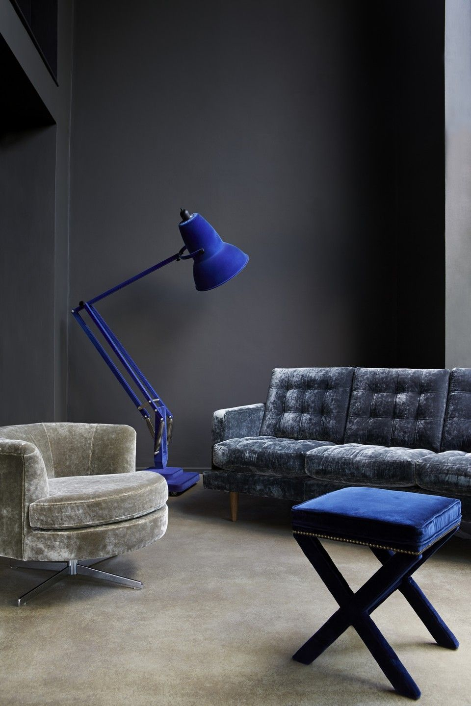 Chalky Paint – The Abigail Sofa In Prussian Blue Velvet (View 24 of 25)