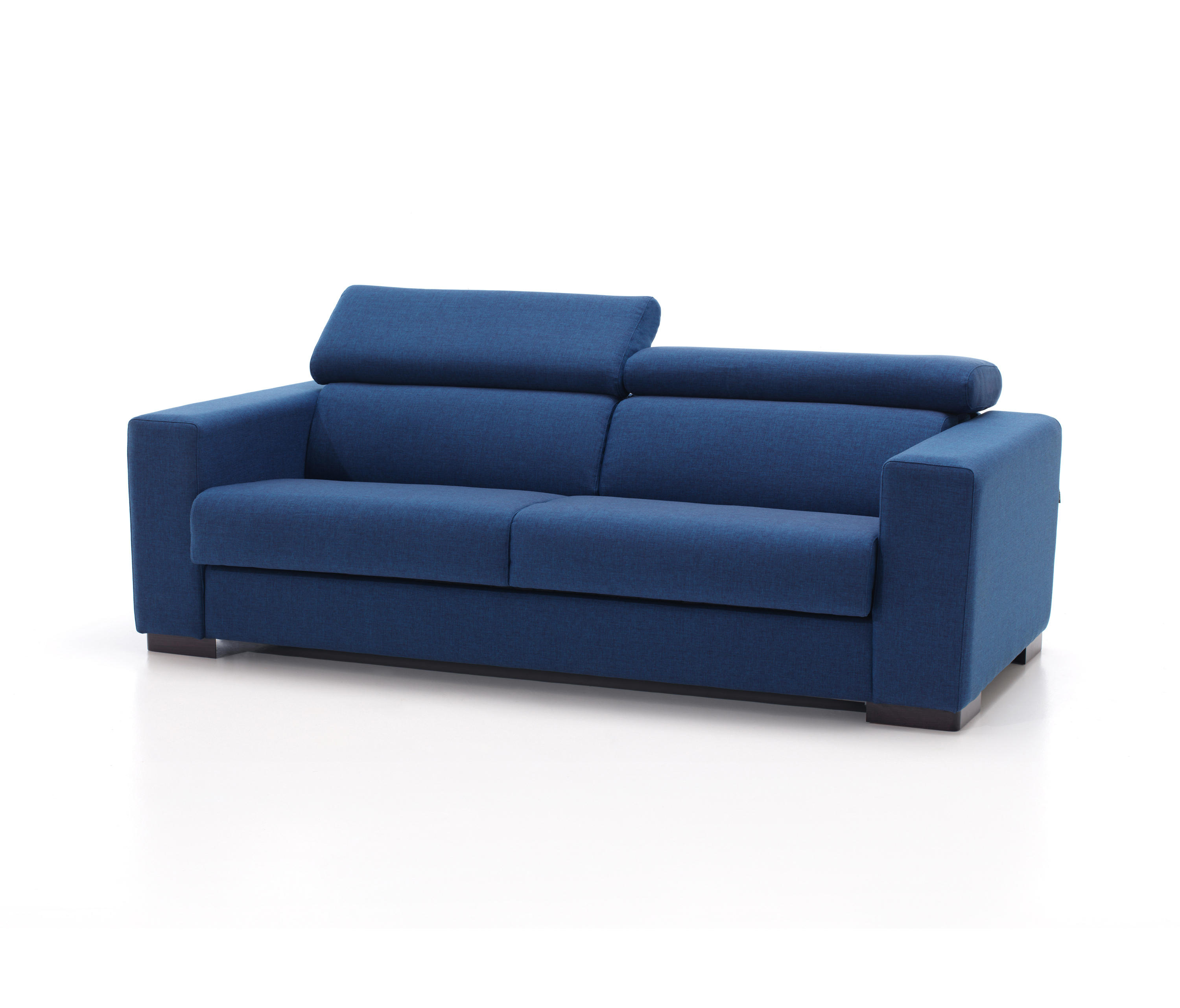 Cona – Sofas From Belta & Frajumar | Architonic Within Gina Blue Leather Sofa Chairs (Image 6 of 25)