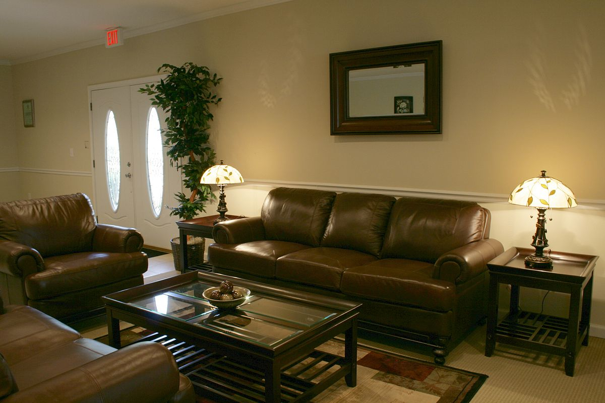 Couch – Wikipedia With Gordon Arm Sofa Chairs (View 21 of 25)