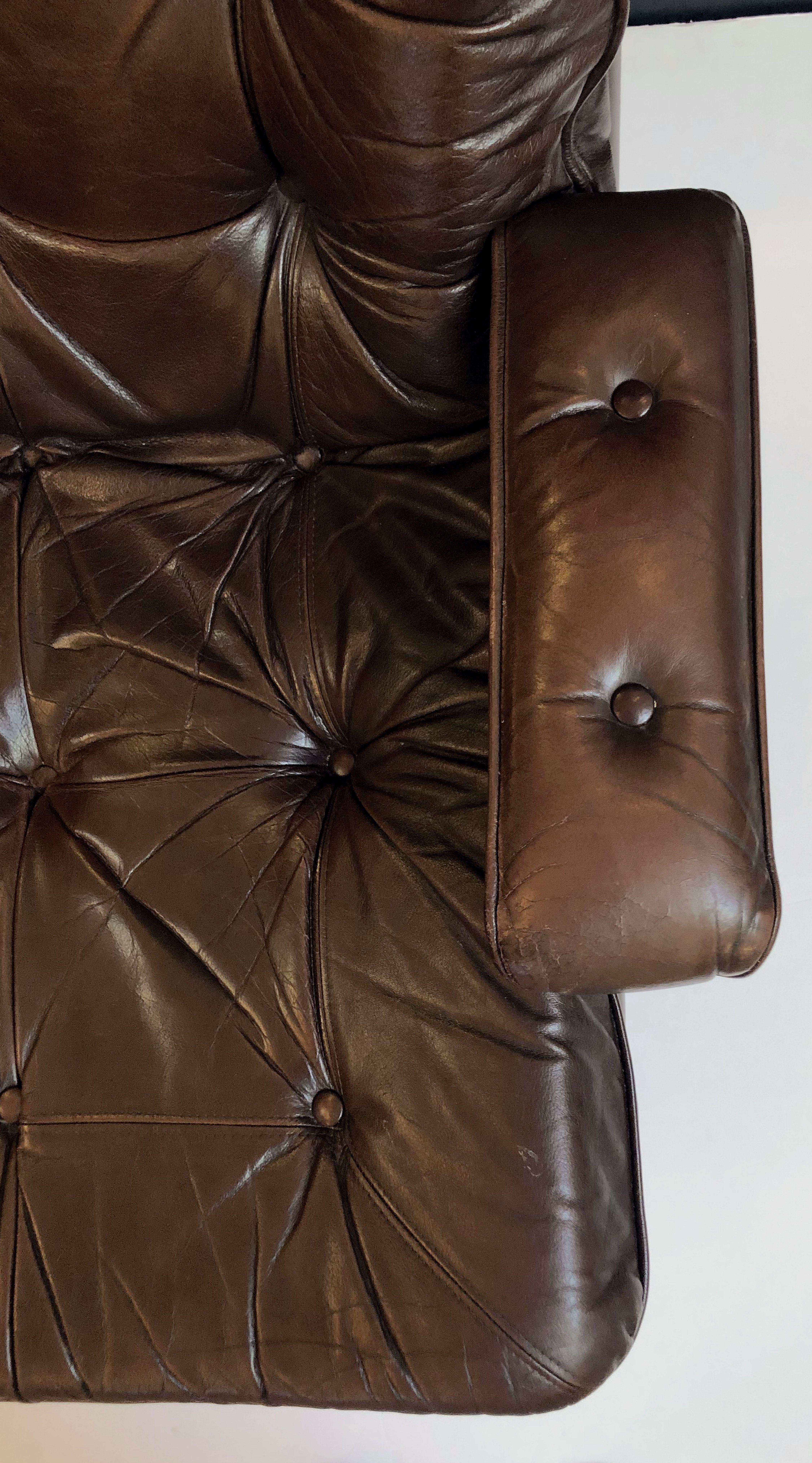 Danish Swivel Lounge Chair Of Tufted Leather For Sale At 1Stdibs Within Chocolate Brown Leather Tufted Swivel Chairs (View 24 of 25)