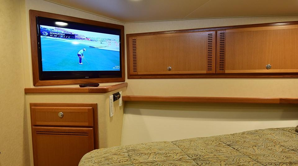 Free 2 Play Cabo 2008 52 Express 52 Yacht For Sale In Mexico Throughout Popular Mikelson Media Console Tables (Image 6 of 13)