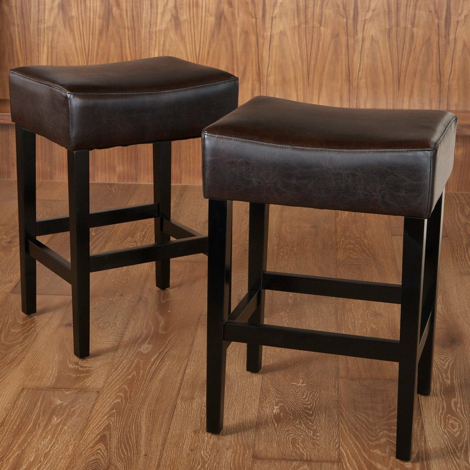 Impressive Excellent Padded Saddle Bar Stools 19 Grandin Road Best Regarding Grandin Leather Sofa Chairs (View 19 of 25)