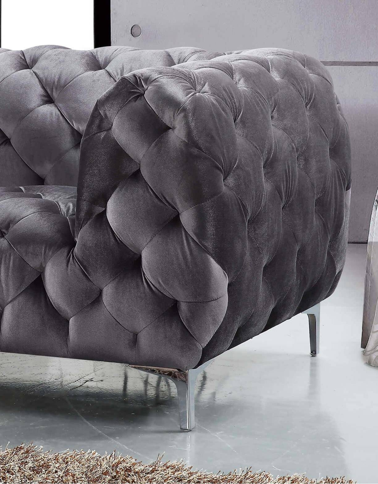 Meridian 646 Mercer Grey Tufted Sofa Contemporary Modern (646 Mercer Throughout Mercer Foam Oversized Sofa Chairs (Image 11 of 25)