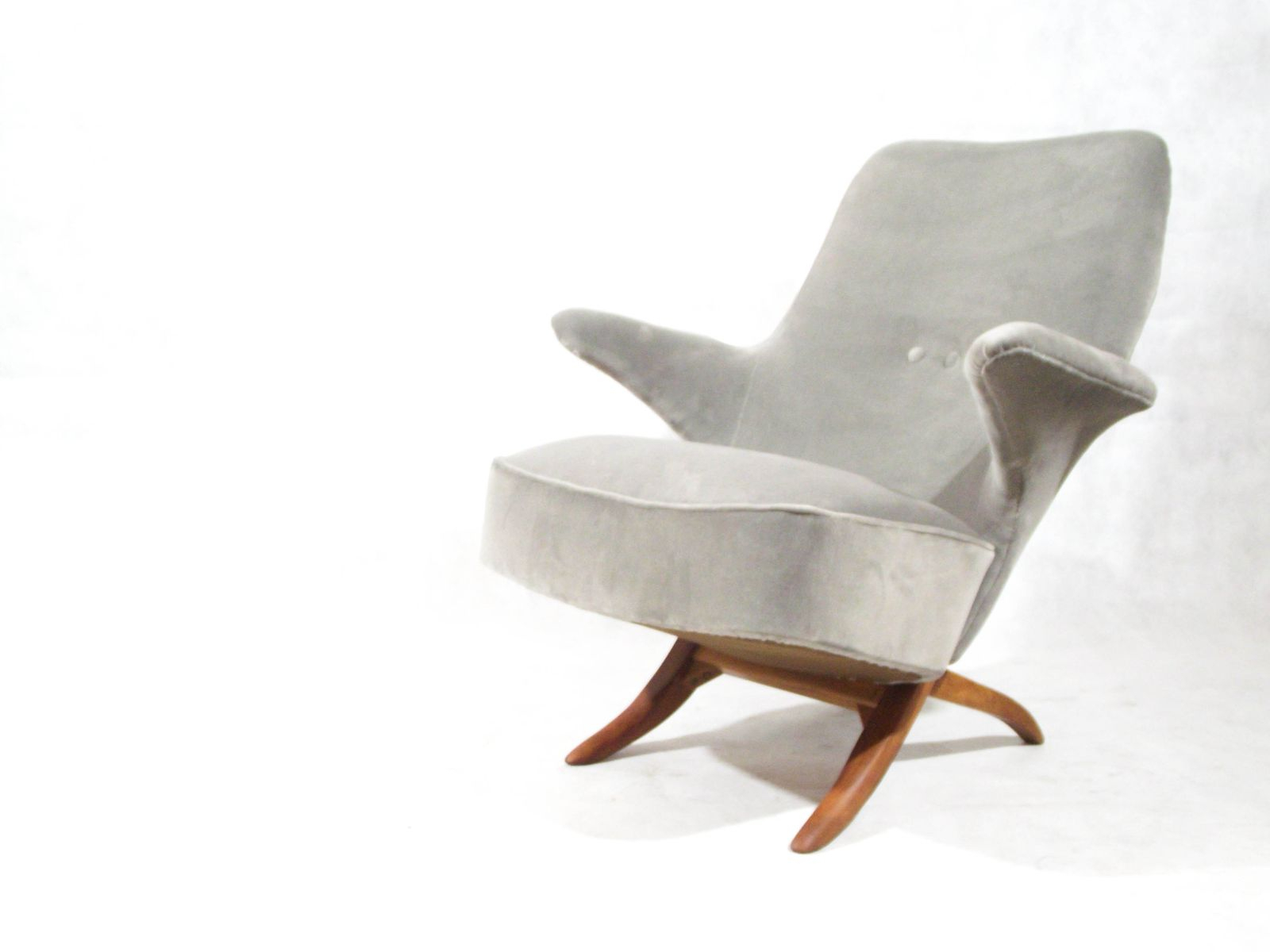 Mid Century Penguin Lounge Chairtheo Ruth For Artifort For Sale Pertaining To Theo Ii Swivel Chairs (Image 13 of 25)