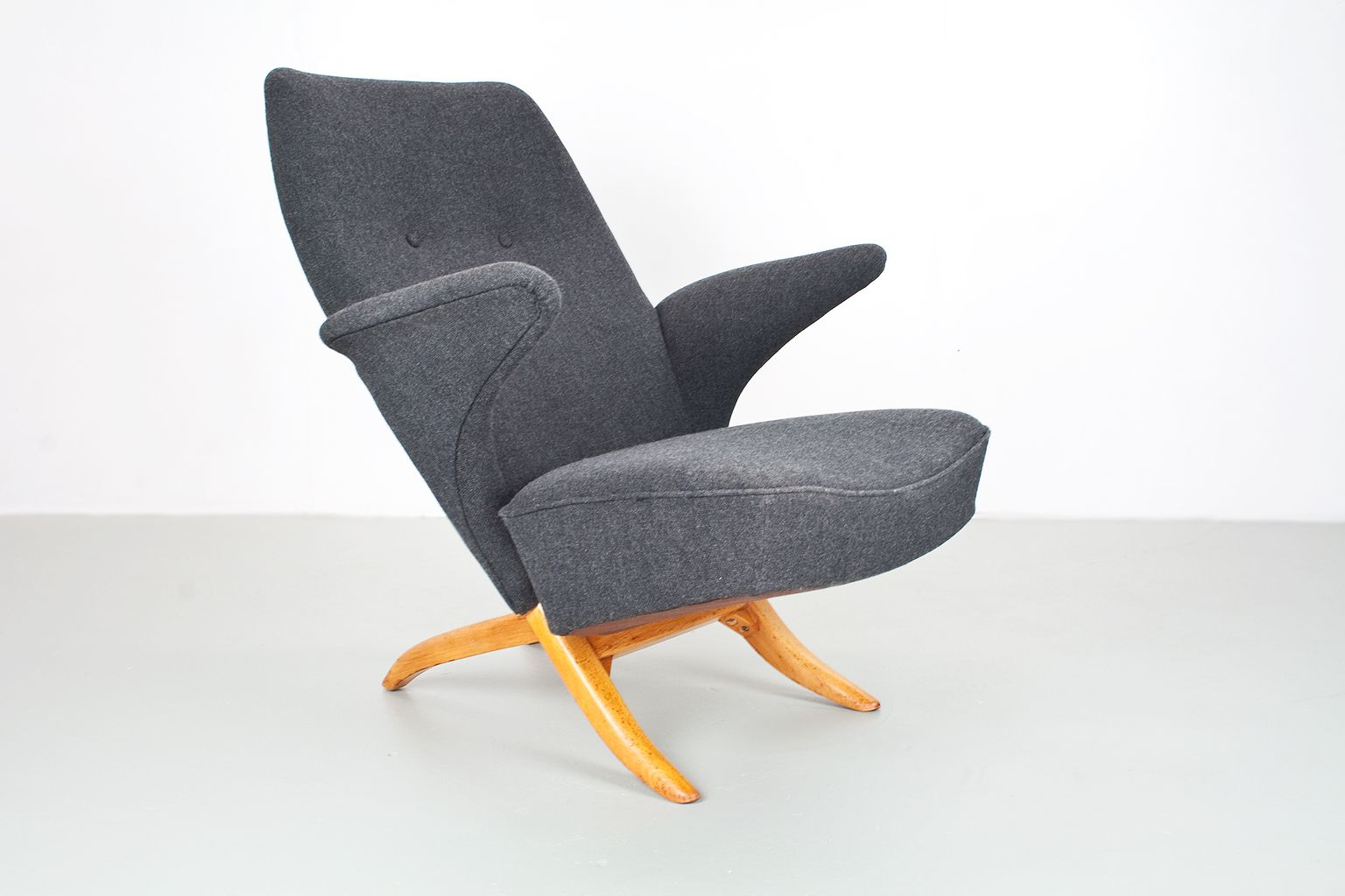 Penguin Lounge Chairtheo Ruth For Artifort, 1950S For Sale At Pamono Within Theo Ii Swivel Chairs (Image 16 of 25)