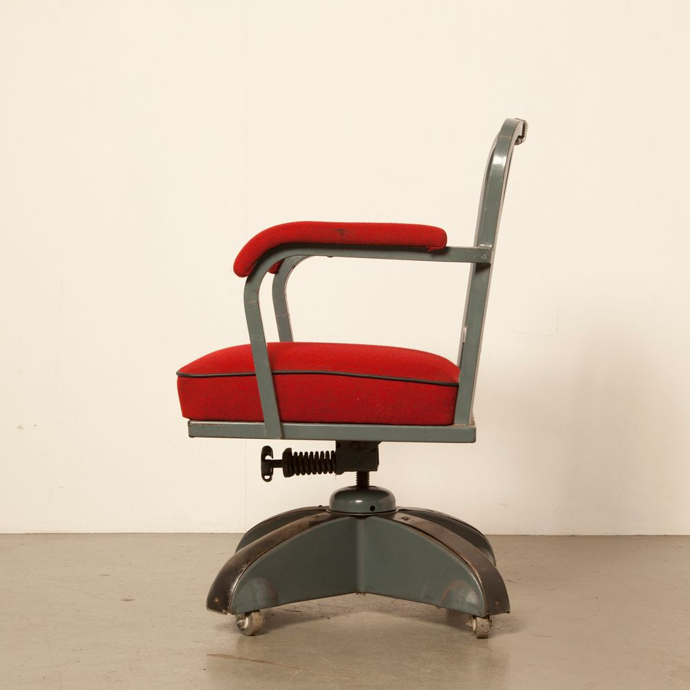 Red Kingsit No. 7500 Swivel Chair From Ahrend De Cirkel, 1930S For for Revolve Swivel Accent Chairs