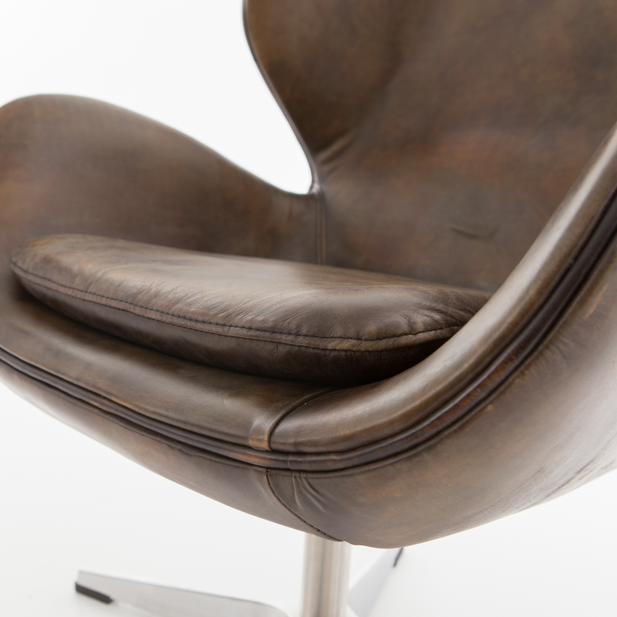 Regent Swivel Chair Old English Espresso – Boulevard Urban Living Intended For Espresso Leather Swivel Chairs (Image 21 of 25)