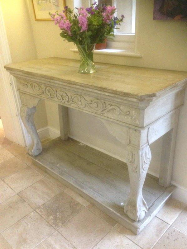 White Distressed Console Table Adorable Distressed Console Table Inside Widely Used Antique White Distressed Console Tables (View 4 of 25)