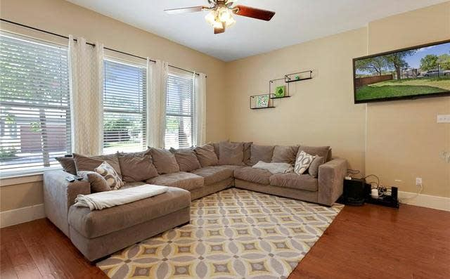 1007 Taulbee Ln #1007A, Austin, Tx 78757 ~ Open Listings Pertaining To Taulbee 5 Piece Dining Sets (View 22 of 25)
