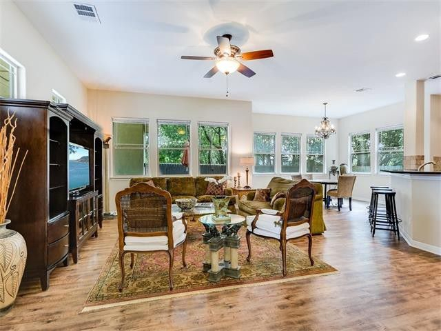 1007 Taulbee Ln Unit C, Austin, Tx 78757 – Realtor® With Regard To Taulbee 5 Piece Dining Sets (View 21 of 25)