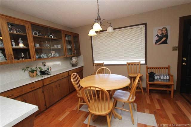 2539 Mccaig Crescent Se, Medicine Hat, Ab | Mls® # Mh0159555 Inside Rarick 5 Piece Solid Wood Dining Sets (Set Of 5) (Photo 13 of 25)