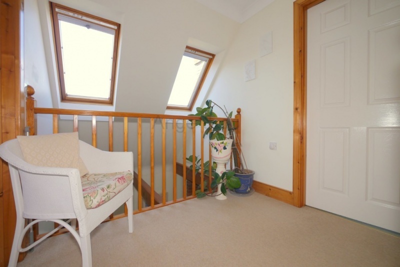 3 Bedroom Property For Sale In Wiggs Acre, Barnby, Beccles - Offers in Wiggs 5 Piece Dining Sets