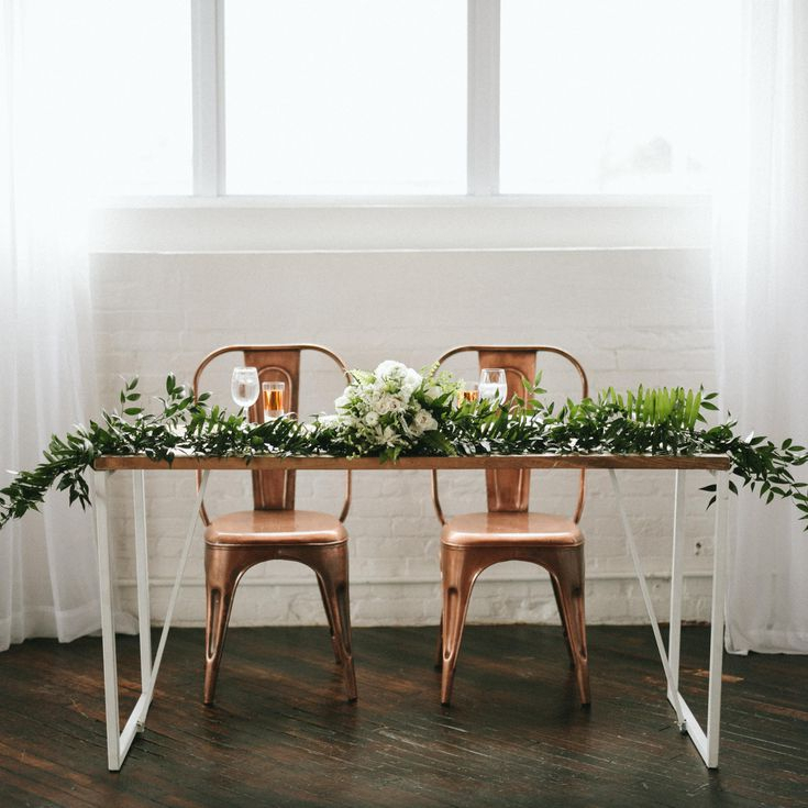 30 Minimalist Wedding Ideas For The Cool Bride With Regard To Rarick 5 Piece Solid Wood Dining Sets (Set Of 5) (Image 6 of 25)