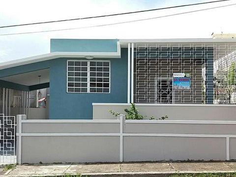512 Tavarez Street Barrio Obrero San Juan Pr, Pr 00915 pertaining to Tavarez 5 Piece Dining Sets