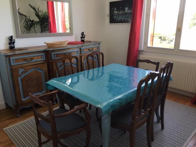 Appartement Indépendant Dans Maison (Frankreich Lamotte Beuvron Throughout Lamotte 5 Piece Dining Sets (Image 5 of 25)
