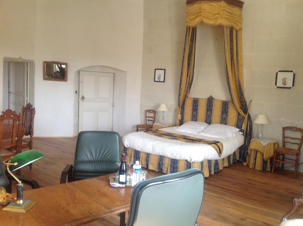 Chambres D'hôtes Château De La Motte, Usseau – Updated 2019 Prices With Lamotte 5 Piece Dining Sets (View 21 of 25)