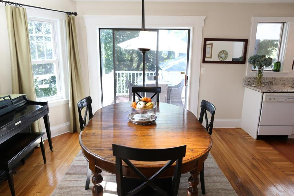 Colonial In Dorchester (Photo 5 Of 17) – Pictures – The Boston Globe For Wiggs 5 Piece Dining Sets (View 17 of 25)