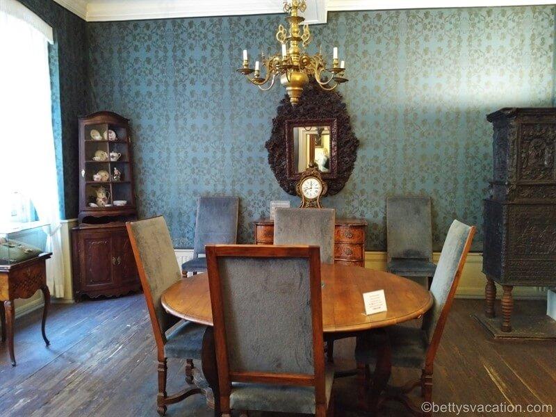 Goethehaus, Frankfurt Am Main, Hessen | Betty's Vacation throughout Nutter 3 Piece Dining Sets