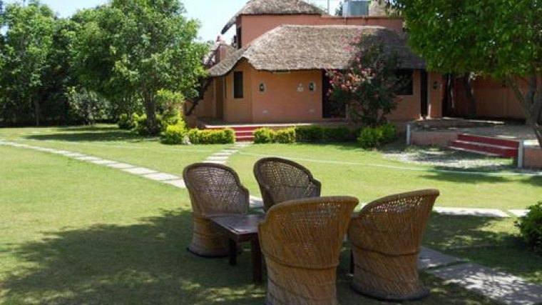 Hotel V Resorts Kyari Corbett National Park 3* (India) – From Us For Pratiksha Sonoma 5 Piece Dining Sets (View 22 of 25)