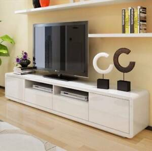 2018 White High Gloss Tv Stands Intended For  (View 12 of 15)