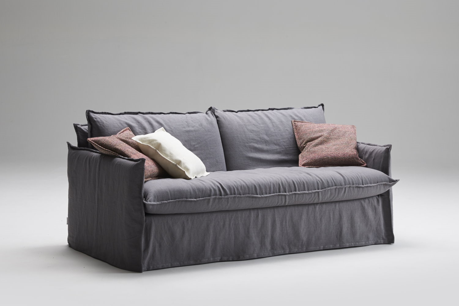 Clarke Xl Comfortable Bespoke Sofa Within Shabby Chic Sofas (View 2 of 15)