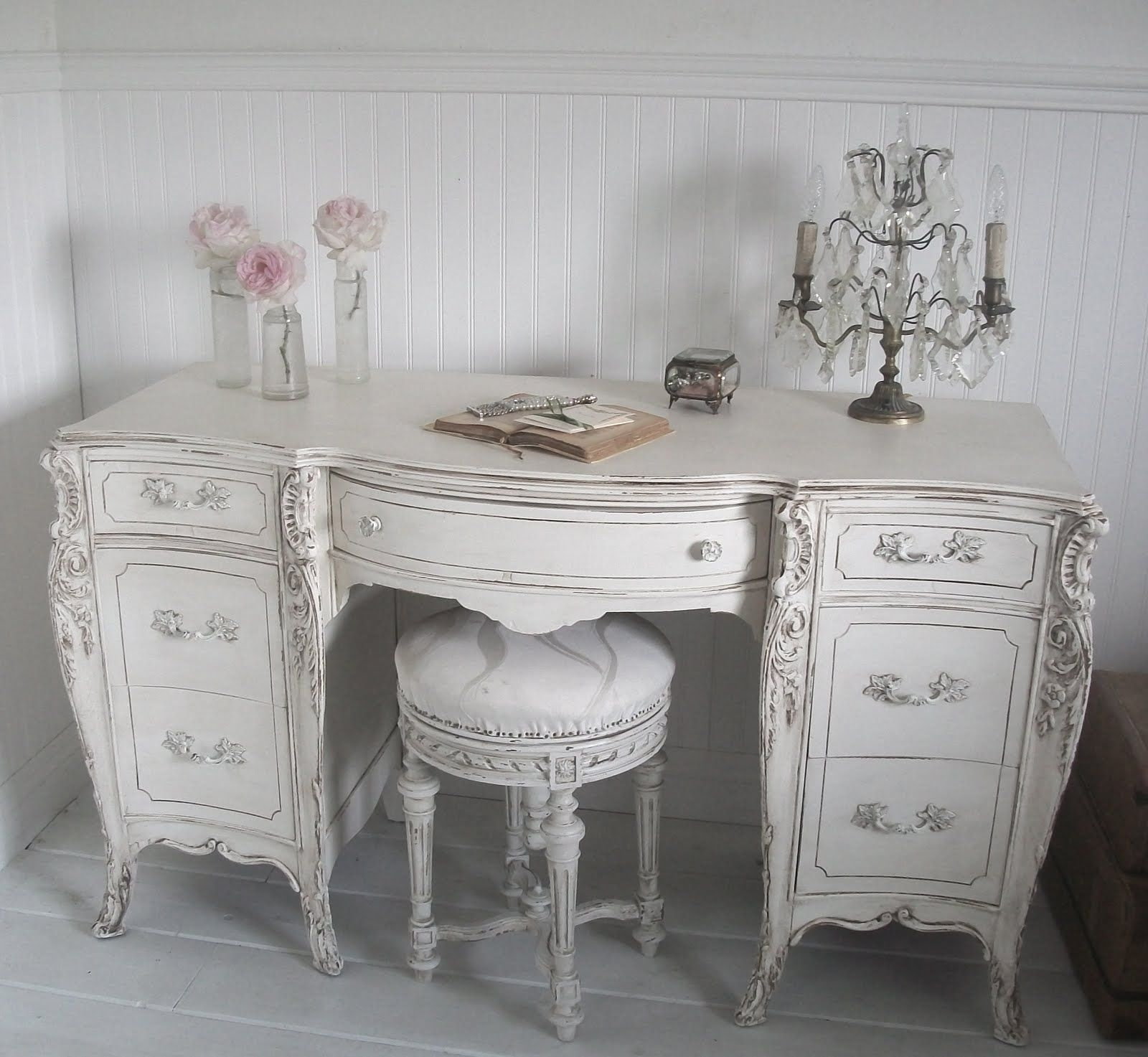 Full Bloom Cottage: French Furniture   Shabby Chic Throughout Shabby Chic Sofas (View 6 of 15)