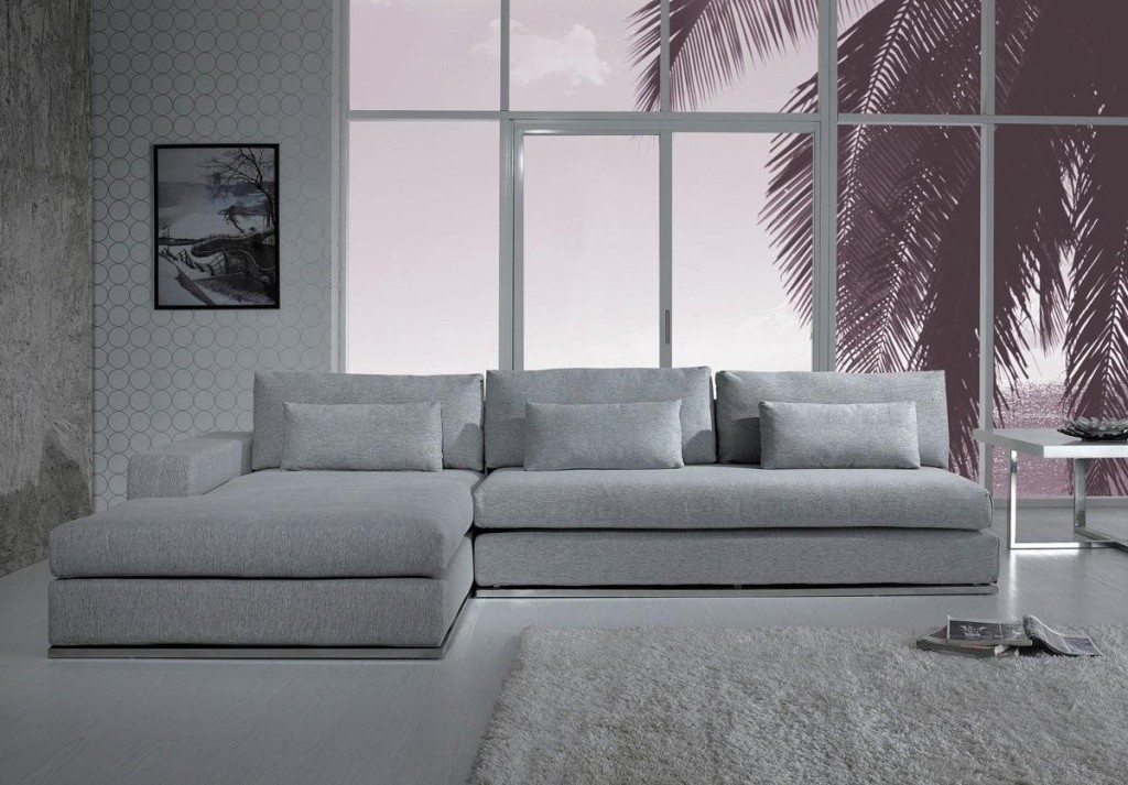 Gray Sectional Sofa With Chaise: Luxurious Furniture With Regard To Noa Sectional Sofas With Ottoman Gray (View 15 of 15)