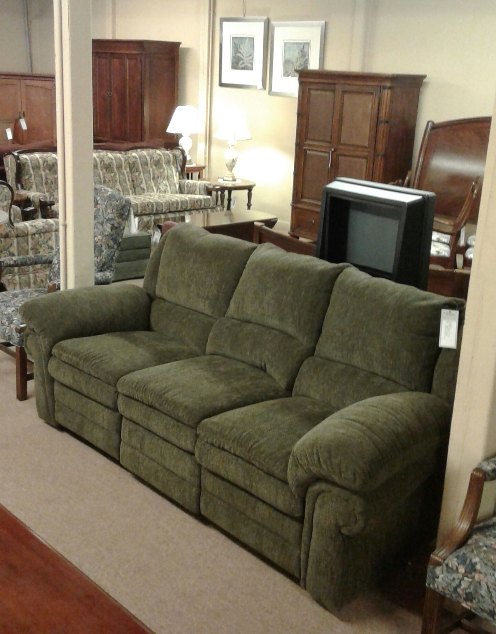 Lane Green Reclining Sofa   Delmarva Furniture Consignment In Green Sectional Sofas (View 10 of 15)