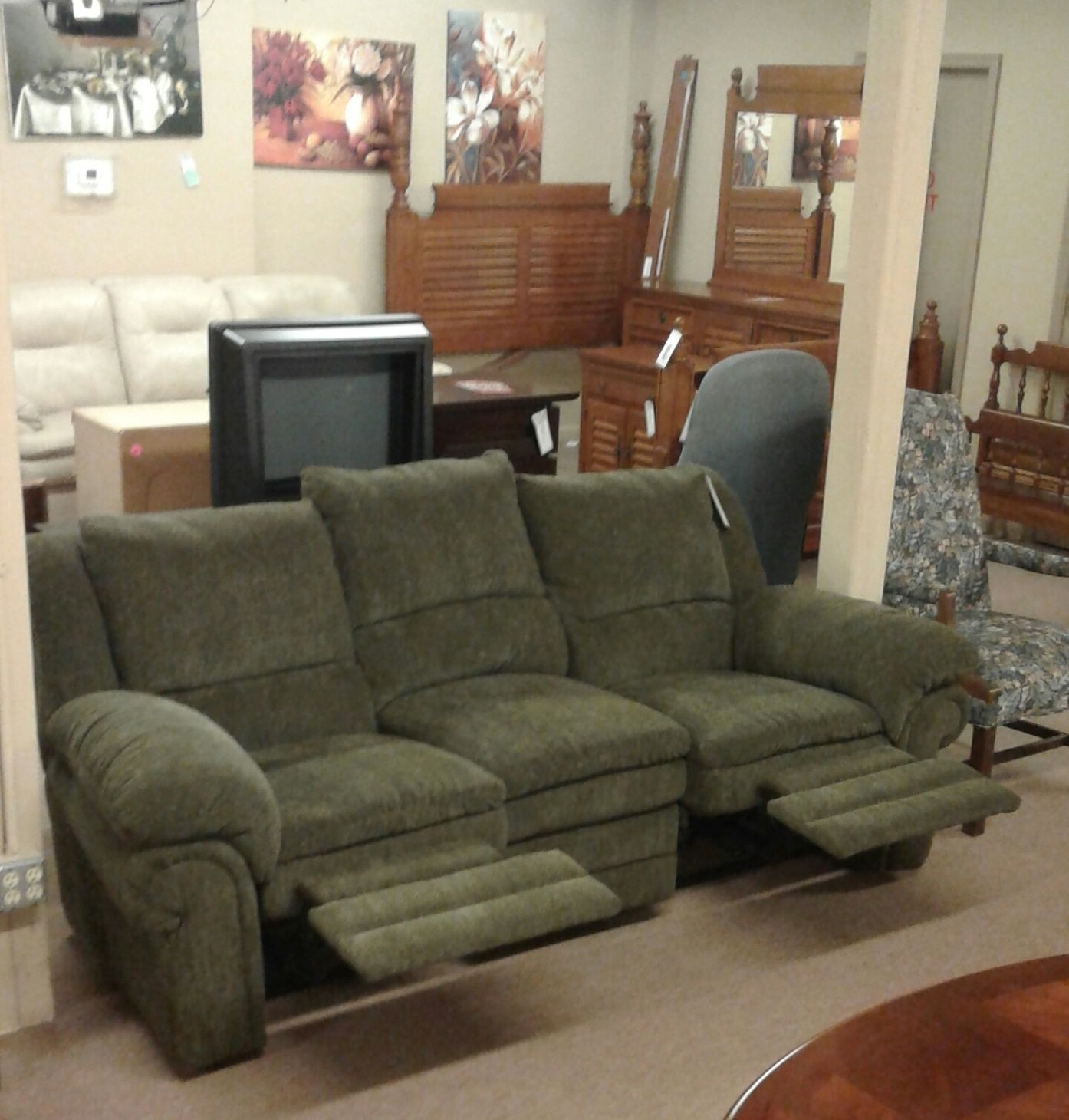 Lane Green Reclining Sofa   Delmarva Furniture Consignment In Green Sectional Sofas (View 1 of 15)