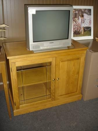 Popular Tv Stands 38 Inches Wide Pertaining To Oak Tv Stand~Swivel Top – For Sale In Winter Haven (View 7 of 15)