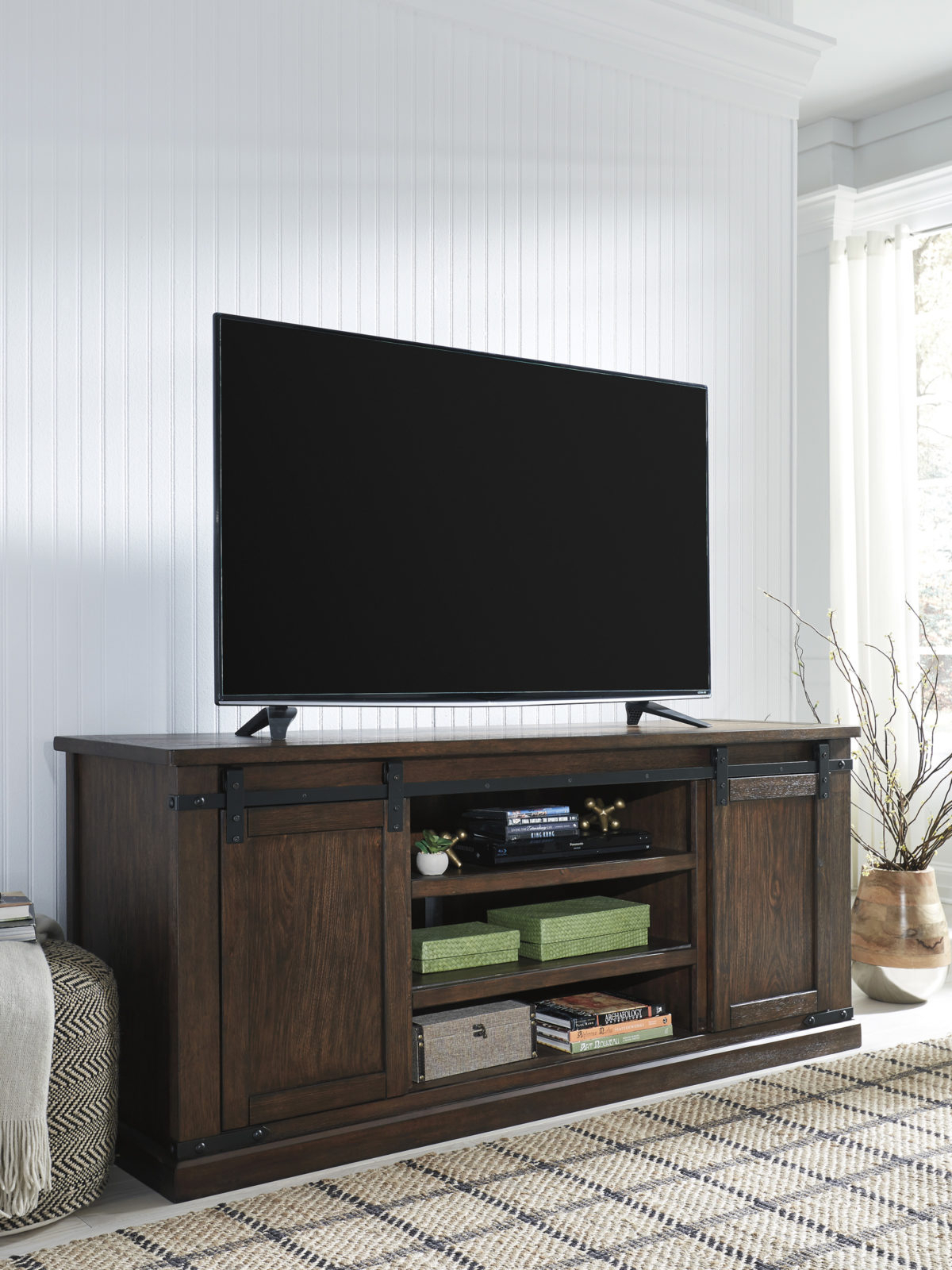 Budmore Extra Large Tv Stand (View 6 of 11)
