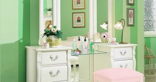 Bedroom Furniture: Vanities for Bedroom