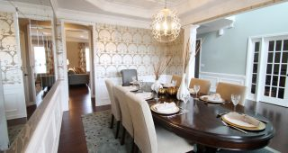Create a Romantic Dining Room Décor with Your Own Way